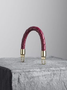 Oxblood woven leather handle, illicia